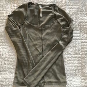 LIGHT OLIVE GREEN FREE PEOPLE TOP